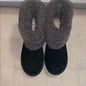 Black and grey Uggs